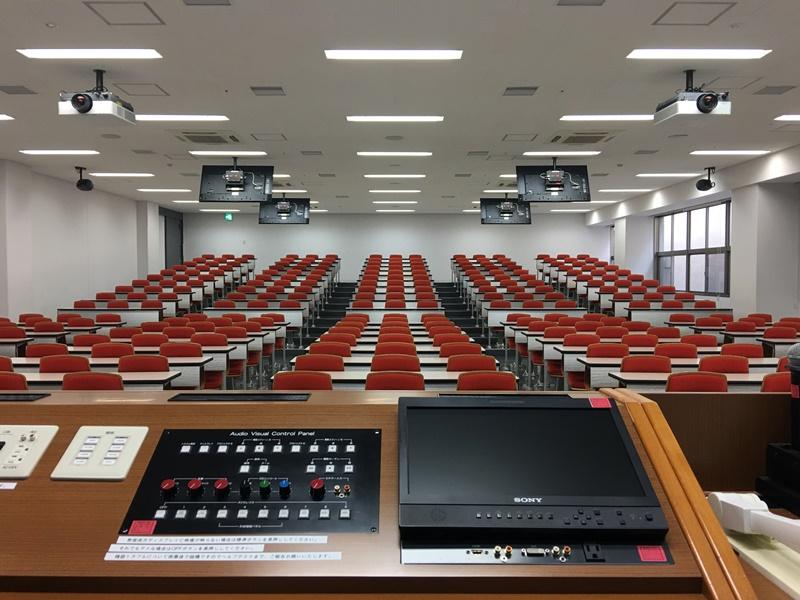 講義台から見る大教室