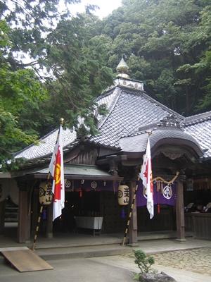 立木山本堂