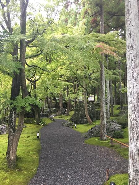 庭園入口周辺