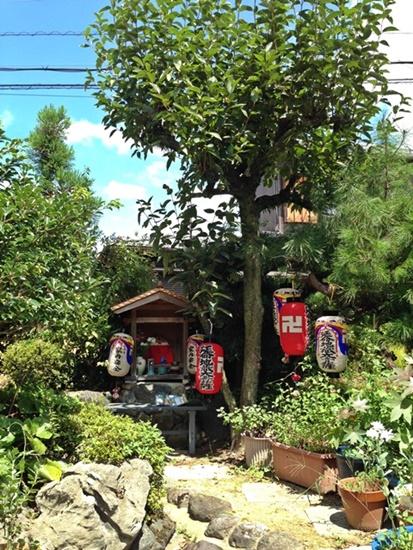 庭のお地蔵さん