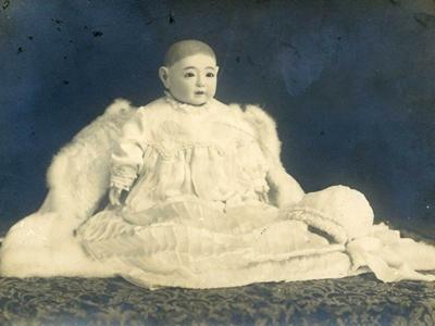 九世久重作 「洋装市松人形」