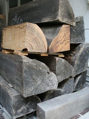 素材である桐の木
